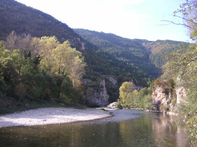 Camping 3 toiles piscine gorges du tarn for Camping gorges du tarn piscine